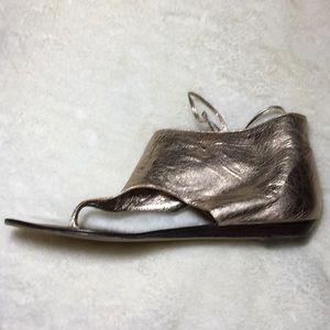 Dolce Vita Shoes - Dolce Vita gold flat sandals